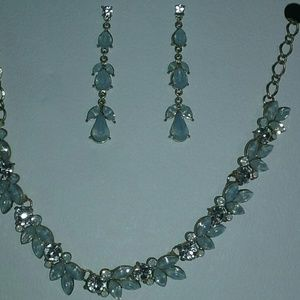 """Time and Tru Jewelry - BRAND NEW 17"""" NECKLACE AND EARRINGS SET"""